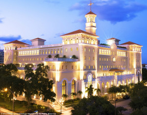 Budova Scientologické církve, na Floridě v městě Clear Water kde se dodává služba Super Power