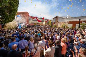 Mediálně produkční centrum Scientologické církve bylo otevřeno v Hollywoodu v USA.