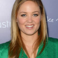 Erika Christensen se narodila v roce 1982 v Seattleu, ale vyrůstala v Los Angeles. Své všestranné (herecké, pěvecké a taneční) schopnosti brzy uplatnila v reklamě (např. pro McDonalds). Objevila se...