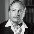 """Jednoho z největších humanistů který se objevil za posledních 100 let a filantropa L.Rona Hubbarda, nejlépe vystihuje jeho prosté prohlášení: """"Rád pomáhám lidem apovažuji za největší potěšení ve svém životě,..."""