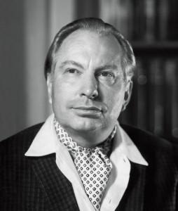 L. Ron Hubbard - nejvíce o L. Ronu Hubbardovi vypovídají zázraky plynoucí z jeho práce a miliony lidí, kteří tuto práci s každým dnem předávají stále dál